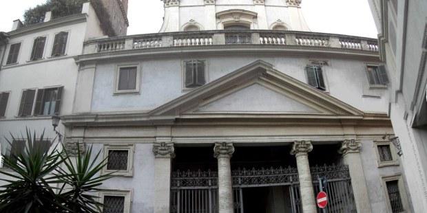 (FOTOGALLERY) Perché c'è un cervo su una chiesa di Roma?