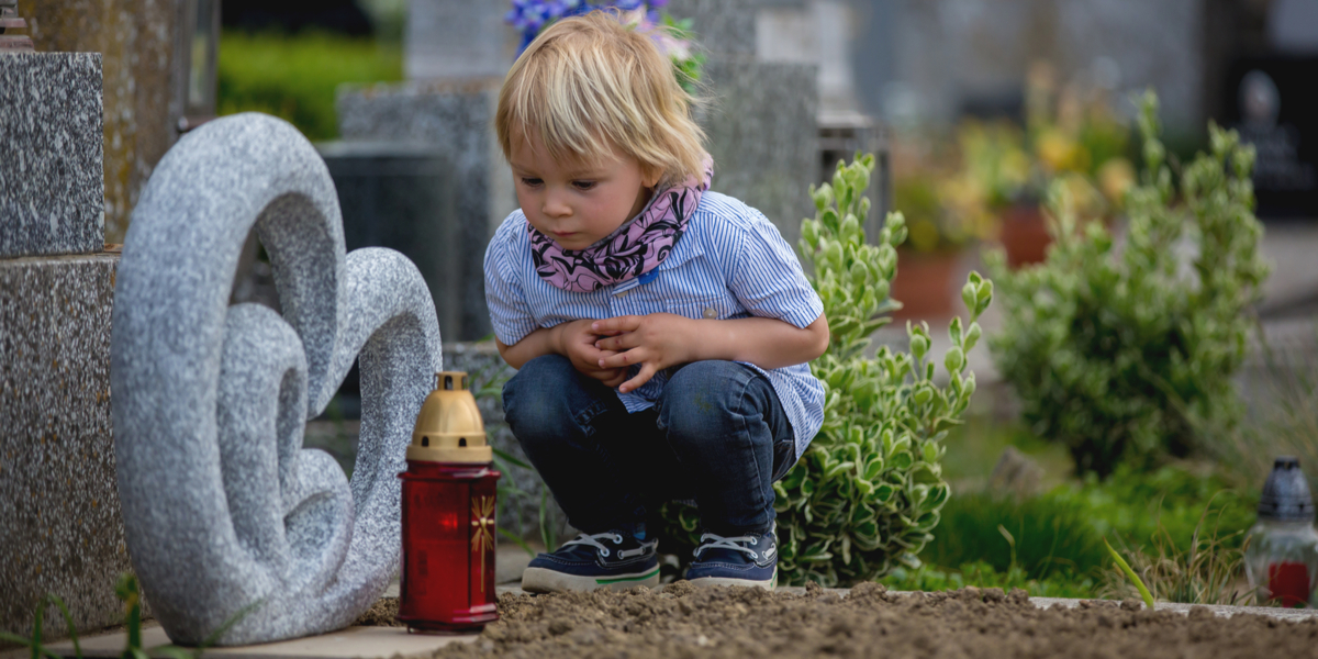 CHILD, GRAVE, CANDLE
