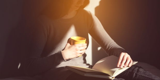 WOMAN, READ, LIGHT
