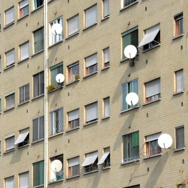 MILAN, POPULAR, HOUSES