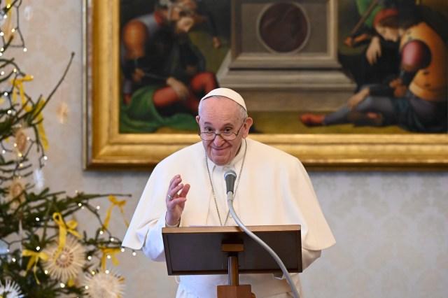 """Il Papa parla della fine del mondo e di San Michele: """"Lui guiderà gli angeli"""""""
