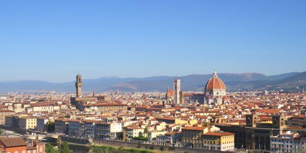 (FOTOGALLERY) Pellegrinaggio a piedi tra le più famose chiese di Firenze