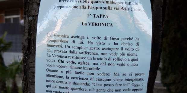 """(FOTOGALLERY) """"Parkuaresima"""": la Via Crucis in tempo di pandemia si fa al parco"""