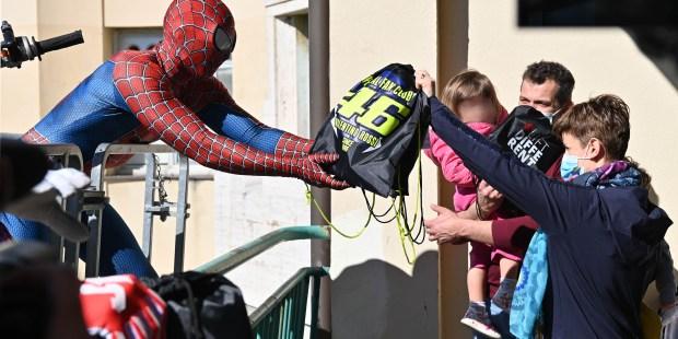 (Fotogallery) Spiderman al Gaslini di Genova