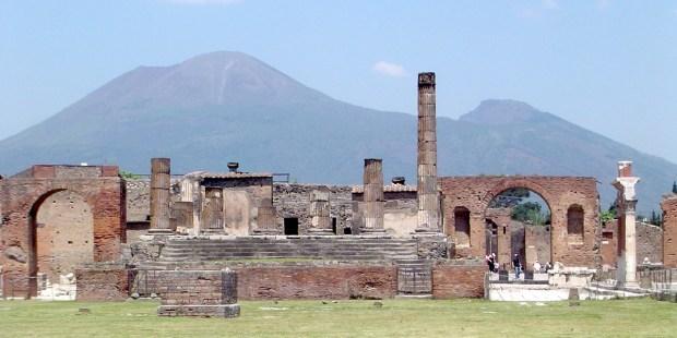 (FOTOGALLERY) Pellegrinaggio al santuario della Madonna del Rosario di Pompei