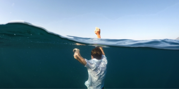 MAN DROWNS IN THE SEA,