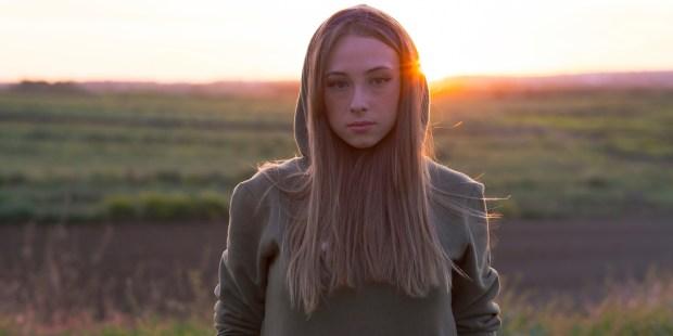 PORTRAIT TEENAGE GIRL,