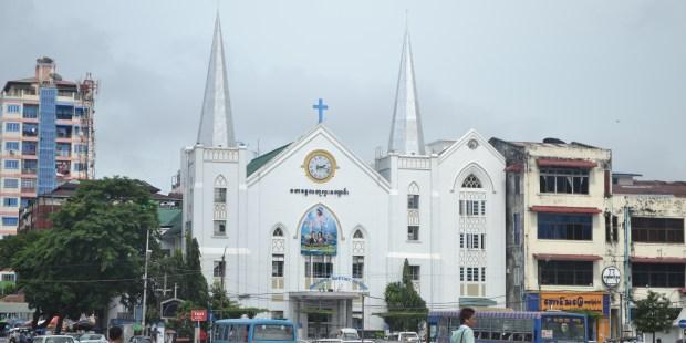 WEB2-MYANMAR-BIRMANIE-CHURCH-shutterstock_1842293551.jpg