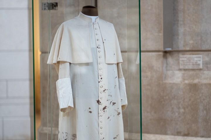 Soutane de Jean Paul II/attentat