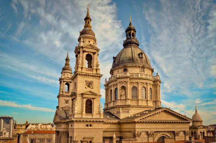 La Basílica de San Esteban, en Budapest, una de las atracciones turísticas húngaras más frecuentemente fotografiadas, esconde miles de secretos