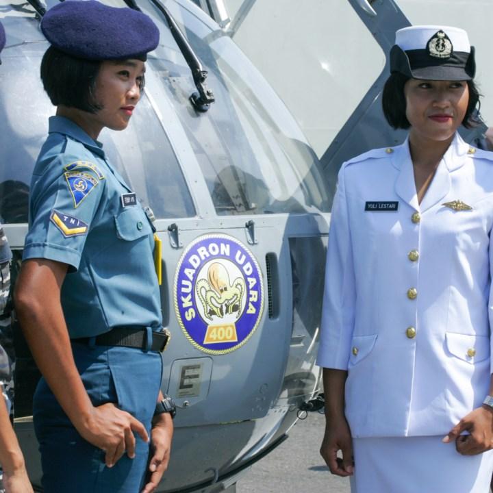 INDONESIA, WOMEN, MILITARY