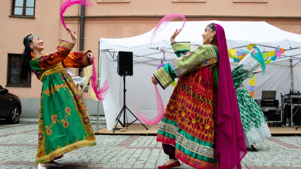 AFGHAN WOMEN, FOLK DRESSES