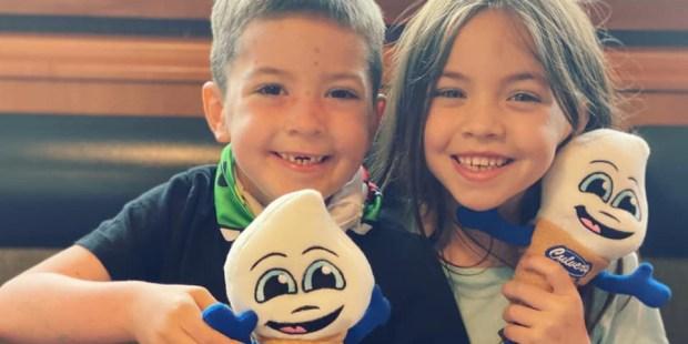 (FOTOGALLERY) Beckett Burge, il bambino della foto virale ha vinto il cancro
