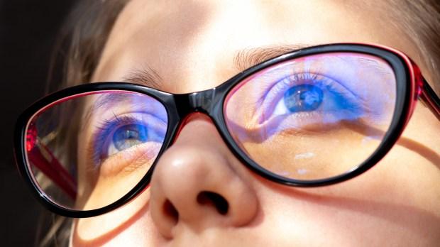 GIRL, GLASSES